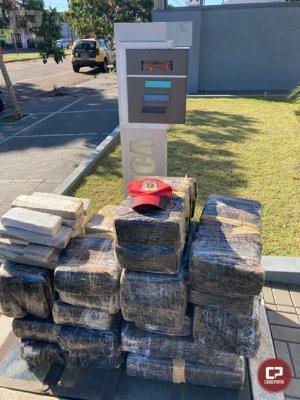 PRE de Cascavel apreende veículo transportando 291 kg de maconha