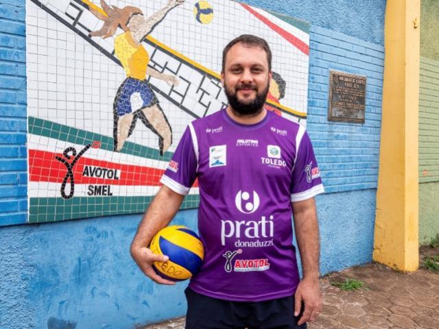 Técnico toledano é convocado para a seleção paranaense de voleibol