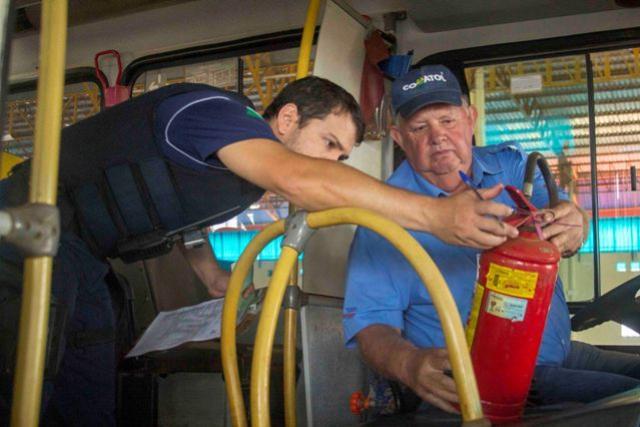 Ônibus e Vans escolares de Toledo passaram por vistoria