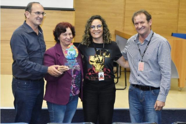 Entidades recebem troféus por boas práticas em Toledo