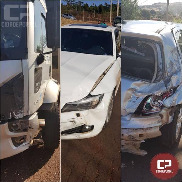PRE atende acidente envolvendo dois veículos e um caminhão no perímetro urbano de Toledo