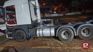 PRE de Cascavel recupera caminhão trator nesta quarta-feira, 24