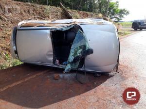Duas pessoas ficam feridas em um capotamento no trechoIguiporã a Vila Curvado em Marchal C Rondon