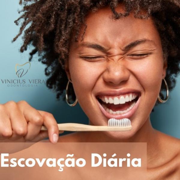 Consultório Vinicius Viera - Saiba a maneira correta de escovar os dentes
