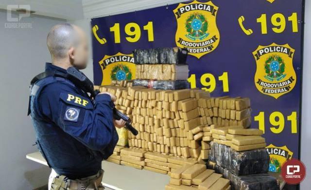 PRF apreende mais de meia tonelada de maconha em Cascavel