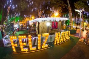 Descida do Papai Noel acontece nesta sexta-feira, 29, na Praça Willy Barth em Toledo