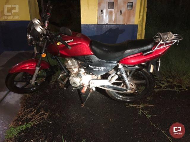 PRF prende homem embriagado em Matelândia e recupera motocicleta paraguaia roubada