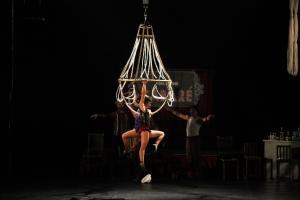 Grupo Tangará adapta conhecimentos do circo de lona para circo atual