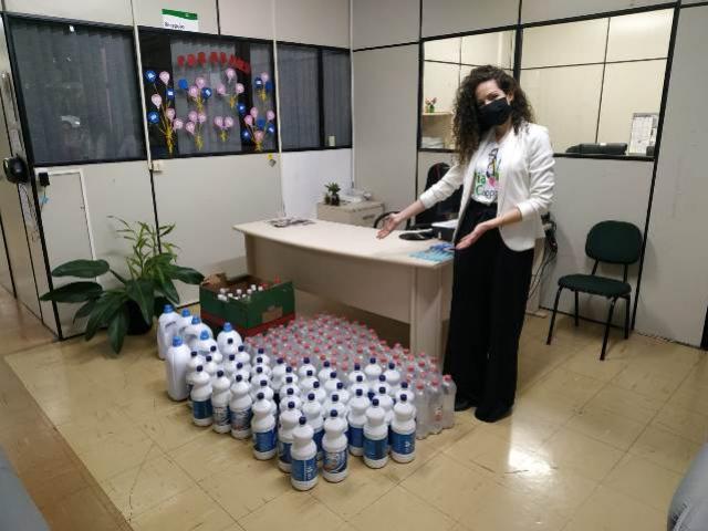 Primato faz doação de álcool em gel e água sanitária para o município de Toledo