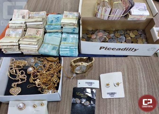 PRF prende homem com dinheiro e jóias furtados em Cascavel