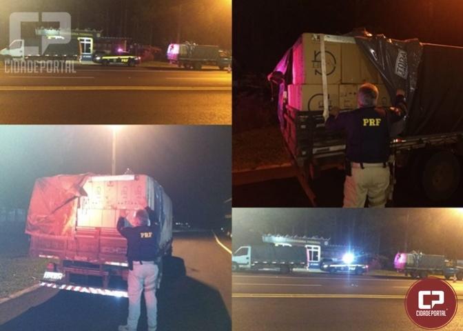 PRF apreende 02 caminhões carregados com cigarros contrabandeados em Laranjeiras