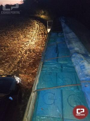 BPFronapreende carreta carregada com 19.500 caixas de cigarros contrabandeadosem Santa Helena