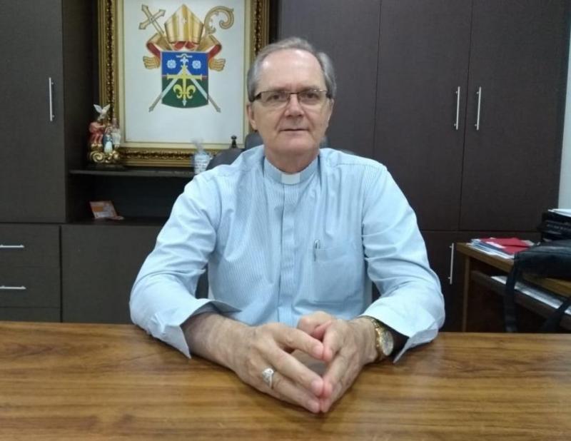 Bispo Dom Bruno anuncia remanejamento de 11 padres na região