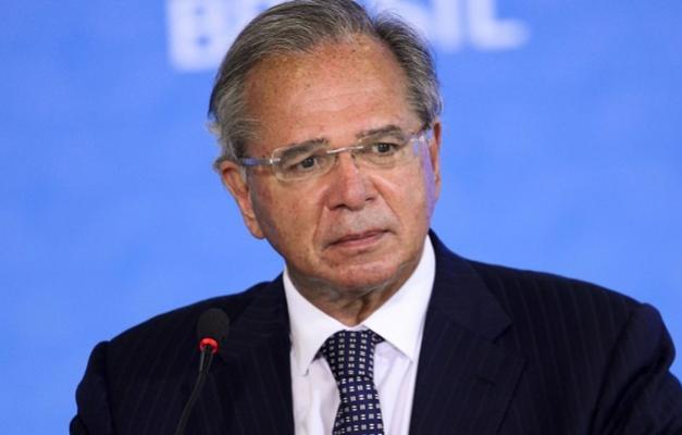 Brasil está oficialmente saindo da recessão, afirma ministro