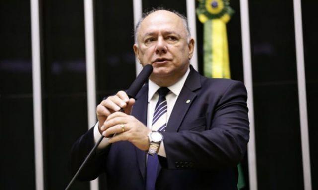 Deputado federal morre em Brasília vítima de covid-19