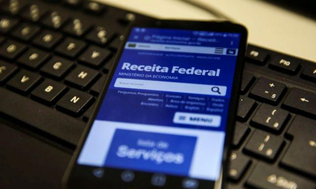 Mais de 40% dos contribuintes enviaram declaração do IR