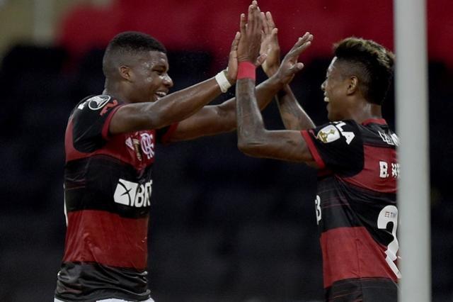 Flamengo vence, convence, ganha fôlego e boas alternativas para encarar sequência decisiva