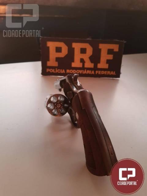 PRF prende indivíduo por porte ilegal de arma em Porto Camargo
