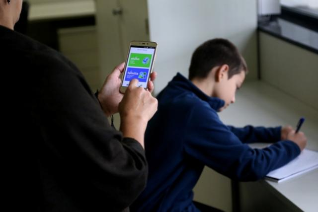 Aplicativo ajuda a acompanhar desempenho dos filhos na escola