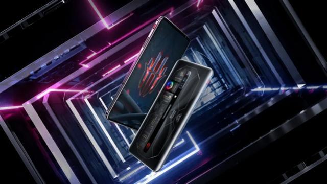 Celular gamer Red Magic 6S Pro possui tela com resposta ao toque de 720 Hz
