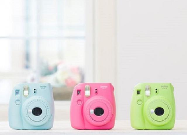 Câmera instantânea: Fujifilm Instax Mini 9 vs. Polaroid 300