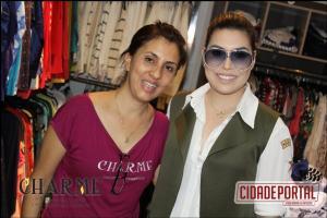 Naiara Azevedo visita a Charme Modas para fazer compras e é surpreendida por fans