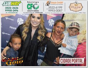 Fotos com a Cantora Naiara Azevedo no camarim da Expo-Goio 2017 desta quinta-feira, 10