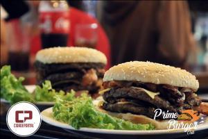 Fotos da inauguração da Primer Burger Grill desta quarta-feira, 14