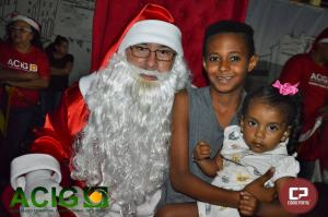 Noel tira fotos com centenas de crianças em Goioerê