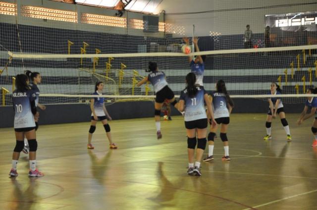 Voleibol de Juranda inicia temporada de disputas da Copa Amizade neste fim de semana