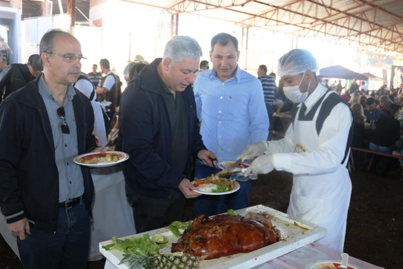 Secretário Douglas Fabrício prestigiou  Festa da Leitoa Mateira em Mamborê