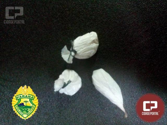 Polícia Militar encaminha para Delegacia quatro pessoas em posse drogas em Ubiratã