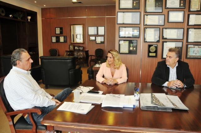 Cohapar prepara projetos para a construção de casas e regularização fundiária em Juranda
