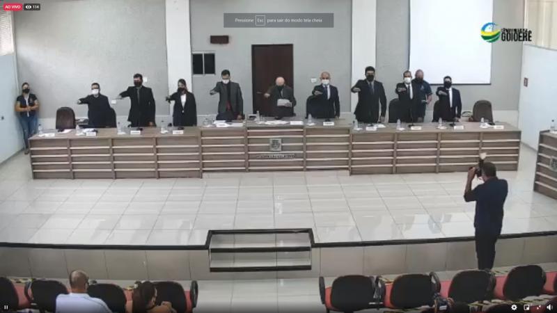 Vereador Paraíba assume presidência da Câmara de Goioerê com nove votos