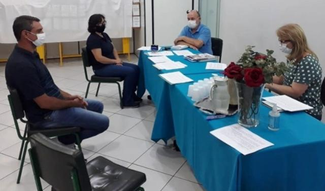 NRE de Goioerê entrevista candidatos aprovados na primeira etapa do processo de Credenciamento de Diretores