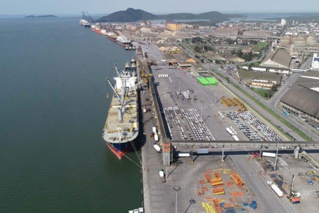 Portos do Paraná devem atingir 57 milhões de toneladas e consolidar recorde