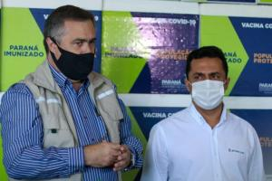 Betinho Lima acompanhou a chegada das quase 400 mil doses de vacinas no Paraná