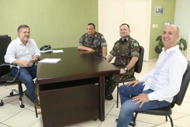 Novo comandante do Tiro de Guerra de Campo Mourão é apresentado ao Prefeito