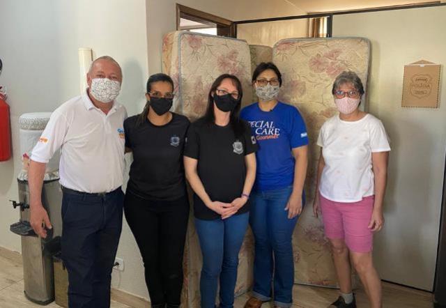 ASR entrega colchões para o presídio feminino de Goioerê