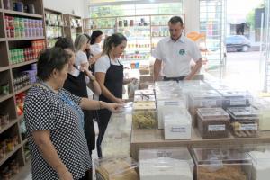 Pedro Coelho participa de inauguração de loja de produtos naturais instalada na Av. Daniel Portela em Goioerê