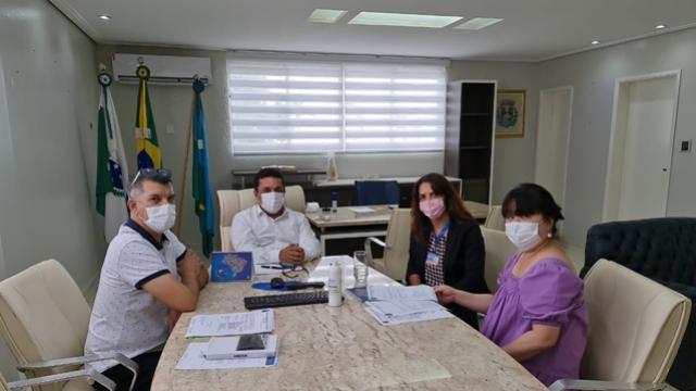 Betinho Lima recebeu visita da gerente da Caixa Econômica