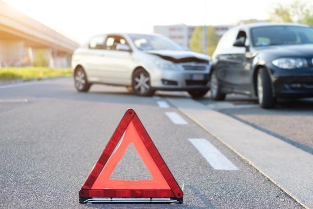 Motociclista fica ferida em acidente no cruzamento da Rua Tupi com a Rua Apucarana