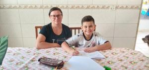 Mães da rede municipal de Goioerê são homenageadas pelos professores de Educação Física