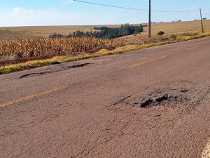 Usuários da PR-317 reclamam das condições da rodovia