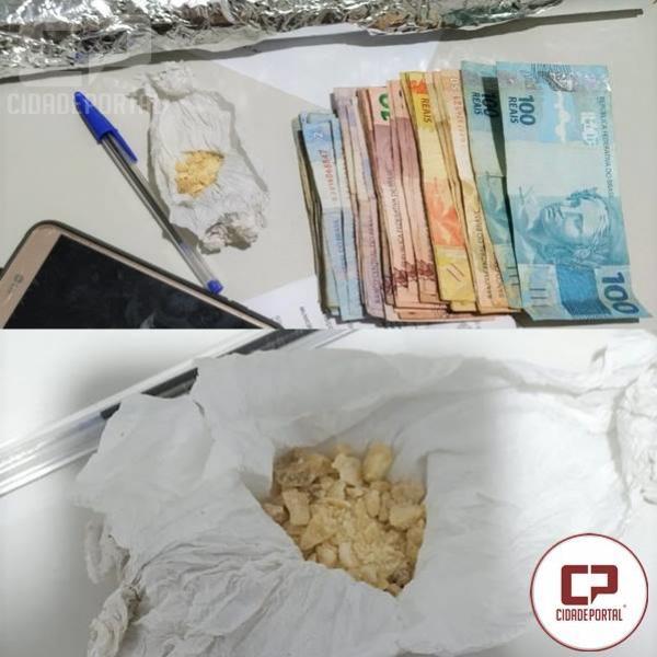 Polícia Militar prende uma pessoa por tráfico de Drogas em Tapira