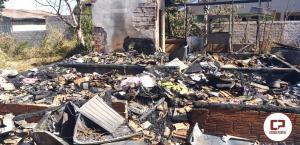 Incêndio em residência no Distrito de Rio Verde em Juranda faz família perde tudo