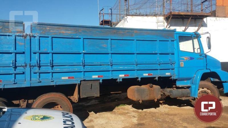 Investigadores da Polícia Civil de Goioerê apreendem um caminhão adulterado em Moreira Sales
