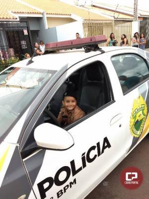 Polícia Militar comparece em aniversário temático de criança em Maringá