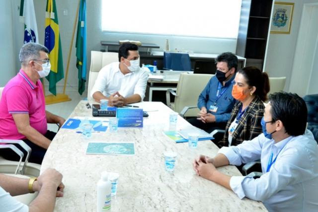 Betinho Lima discutiu construção de casas com superintendente da Caixa Econômica