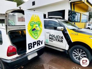 PRE de Cruzeiro do Oeste apreende veículo carregado com pneus contrabandeados na PR-323